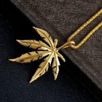 Ожерелье с кулоном конопляный лист (цвет золото)